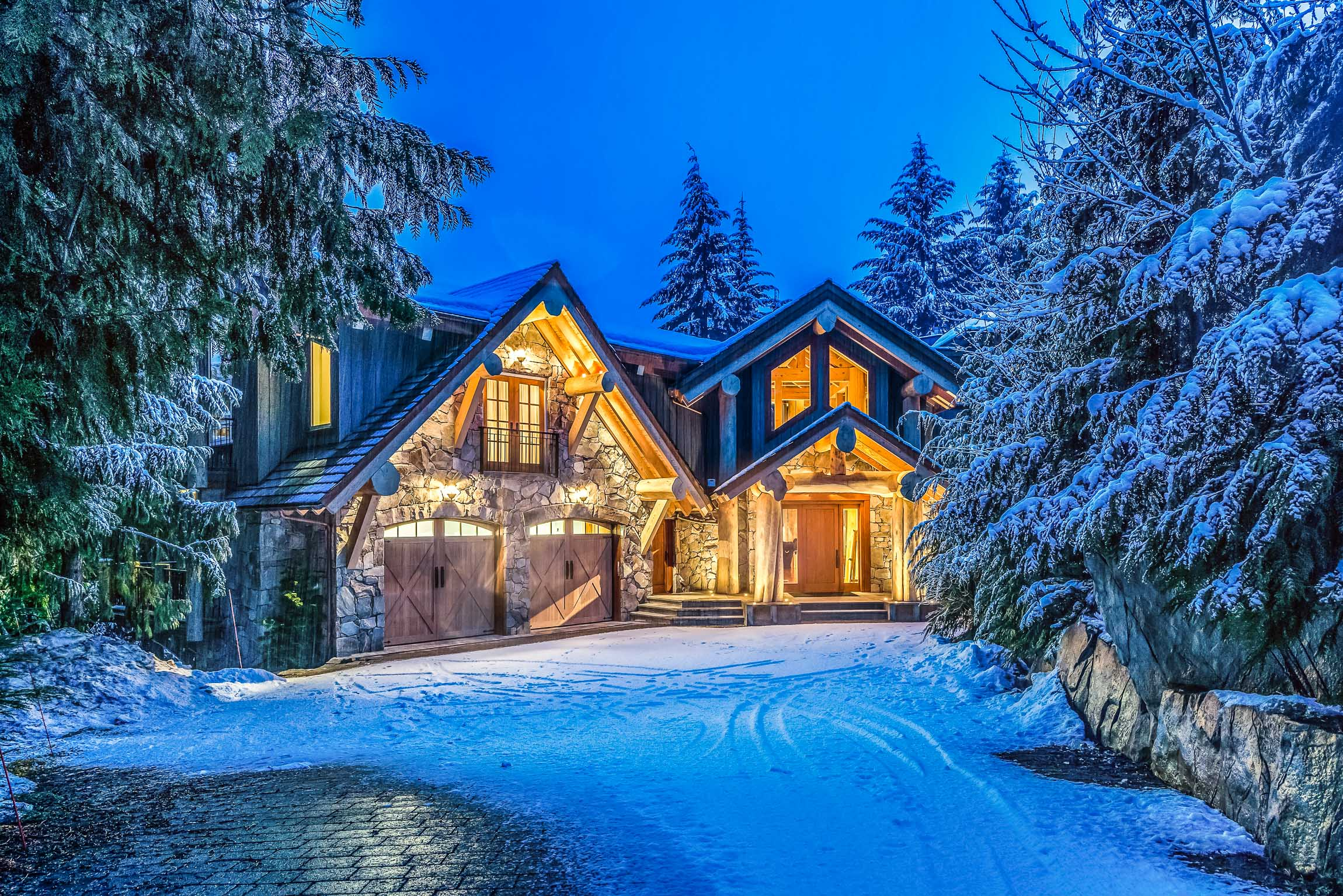 Compass PointvWhistler Luxury Rental